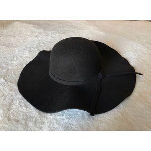 Accessories - Black wide brim hat